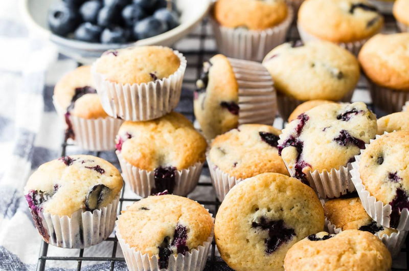 Mini Blueberry Cupcakes
