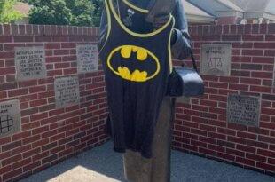 Lois Lane Statue